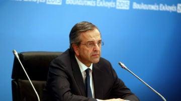 Samaras, con gesto serio tras perder el gobierno griego