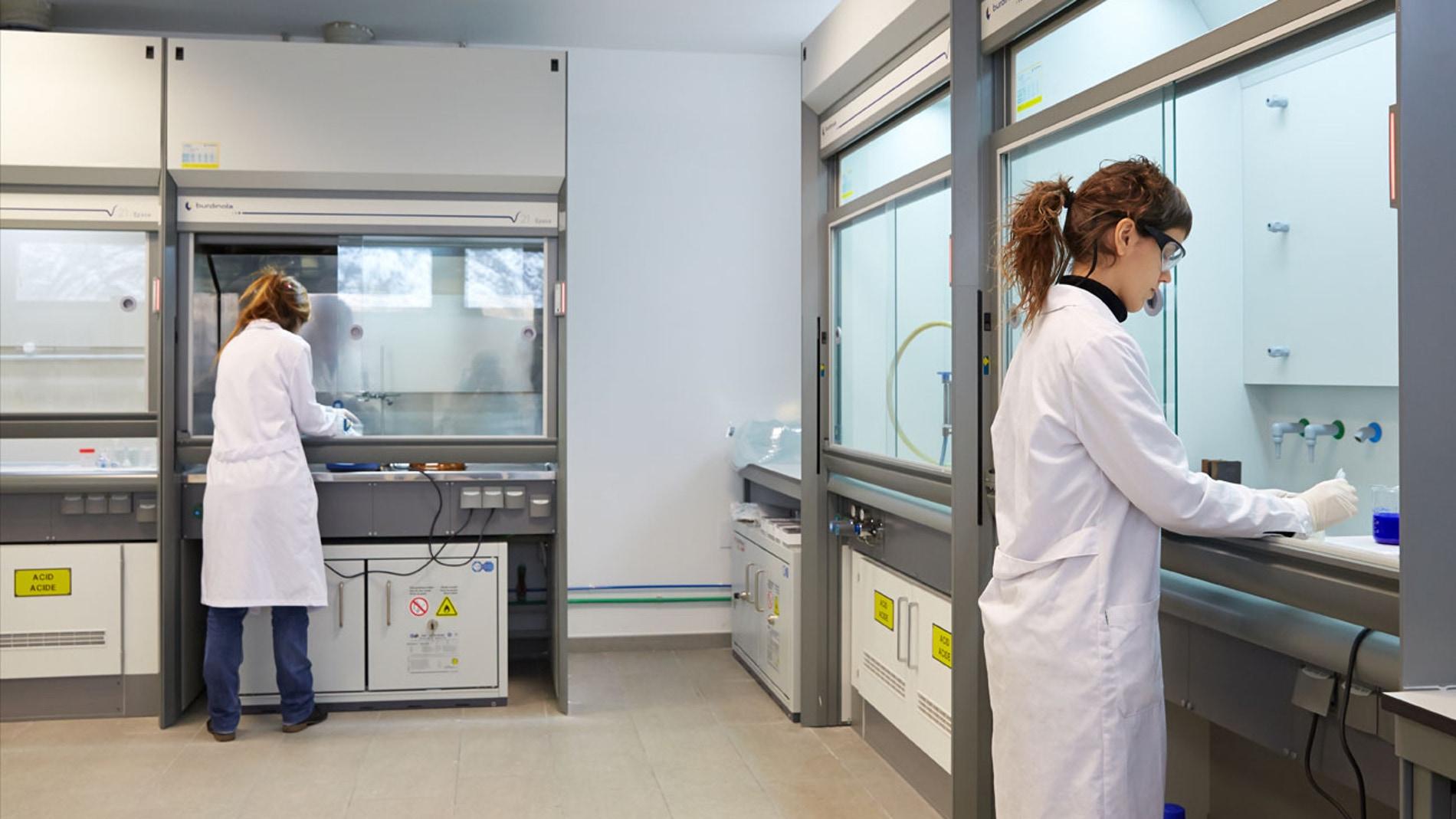 Laboratorios de Química de Superficies d