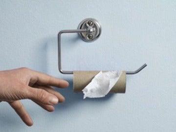 Un rollo de papel higiénico vacío