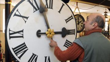 Las manillas del reloj se adelantarán una hora en la madrugada del domingo