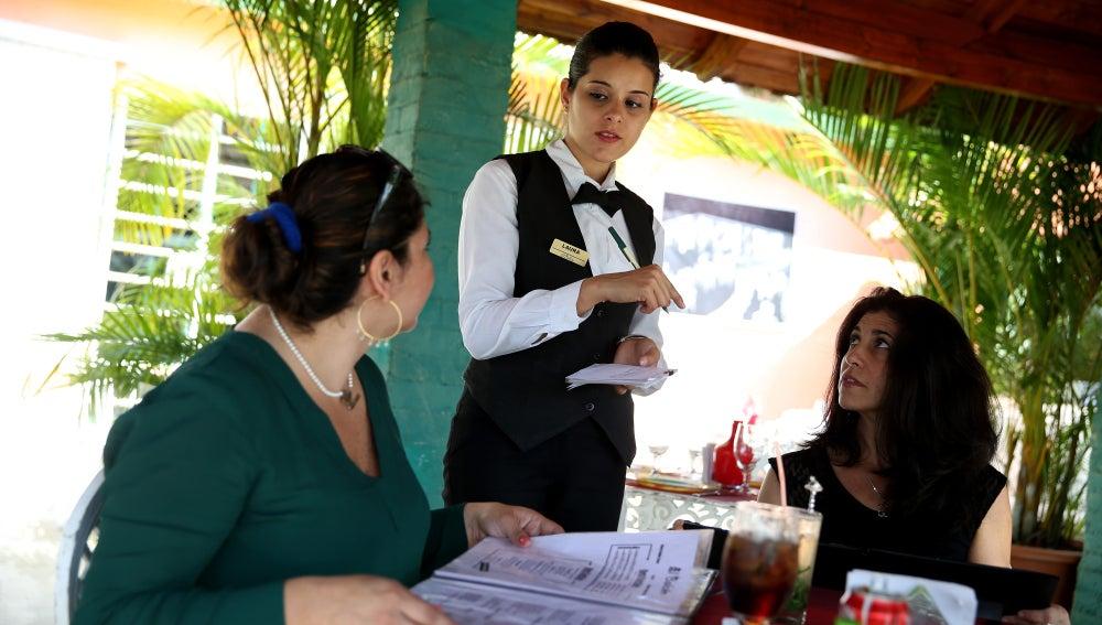 Camarera en un restaurante