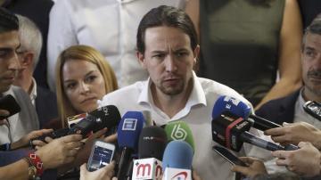 Pablo Iglesias responde a los periodistas