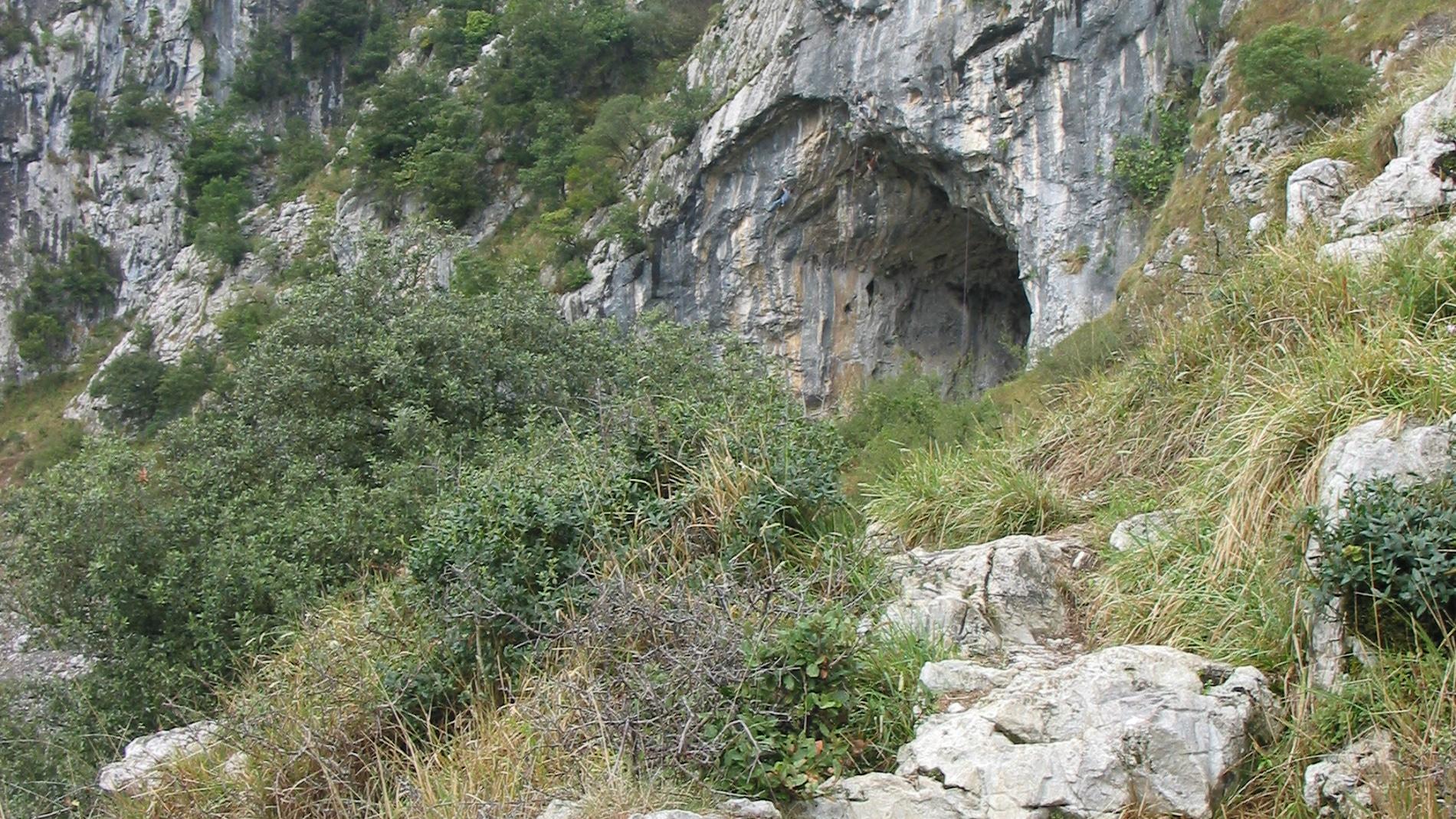 El Mirón, Ramales de la Victoria, Cantab