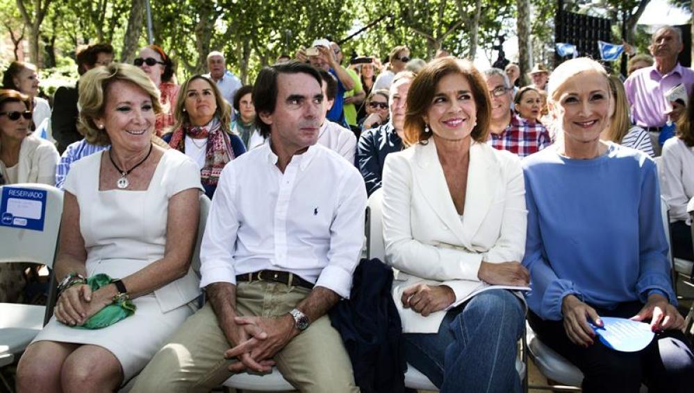 José María Aznar, Ana Botella y las candidatas Cristina Cifuentes y Esperanza Aguirre en un mitin en Madrid
