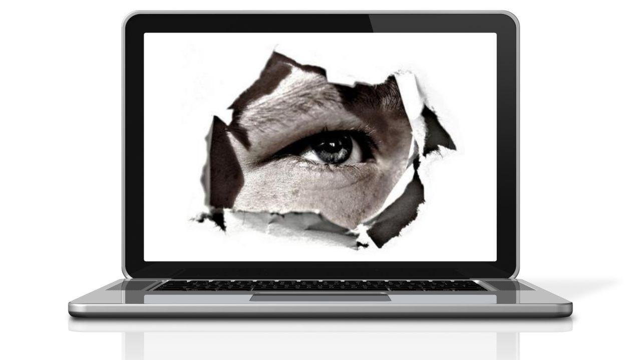 El uso de programas para espiar a hijos, pareja o empleados es ...