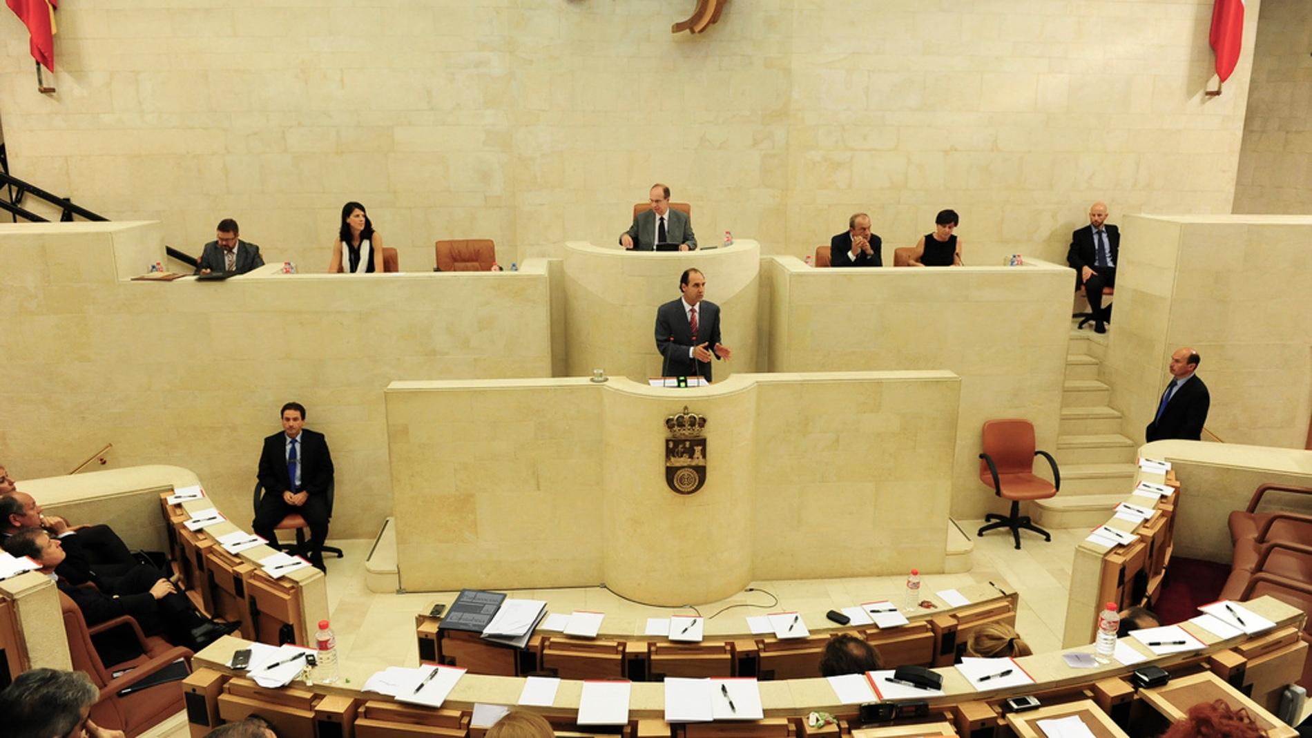 Sesión plenaria en el Parlamento de Cant
