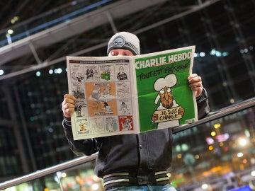 Un estudiante francés es amenazado de muerte después de publicar en su instituto un especial en homenaje a Charlie Hebdo