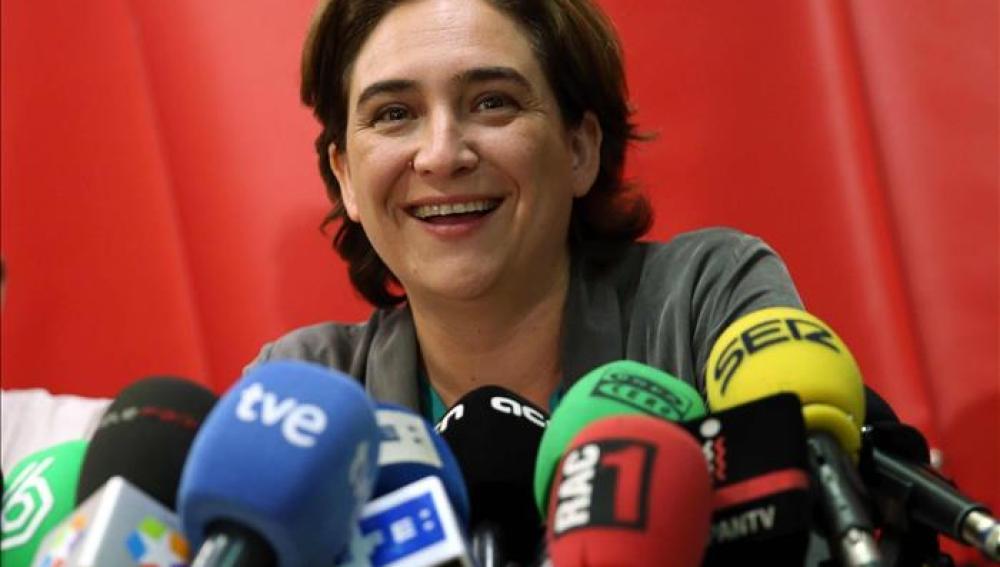 La futura alcaldesa de Barcelona, Ana Colau, ya tiene escritas las primeras líneas de su agenda