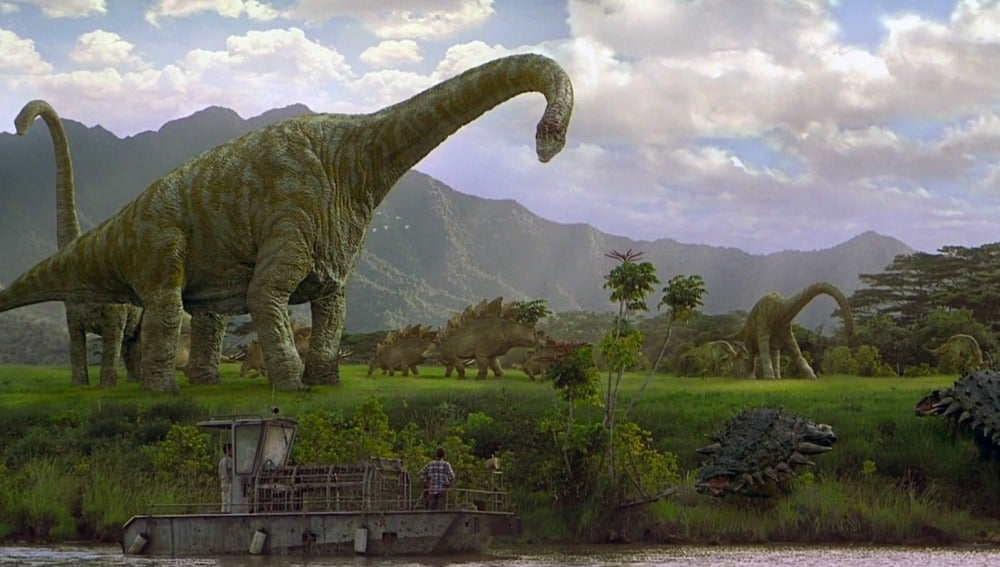 Brachiosaurus: Es uno de los animales más grandes que han caminado sobre la tierra, habiéndose convertido en uno de los dinosaurios más populares. Pesa de 35 a 60 toneladas y que puede llegar a medir de 13 a 16,5 metros de altura y 25 a 35 metros de largo. Esta presente en 'Jurassic Park I' y 'Jurassic Park III'.