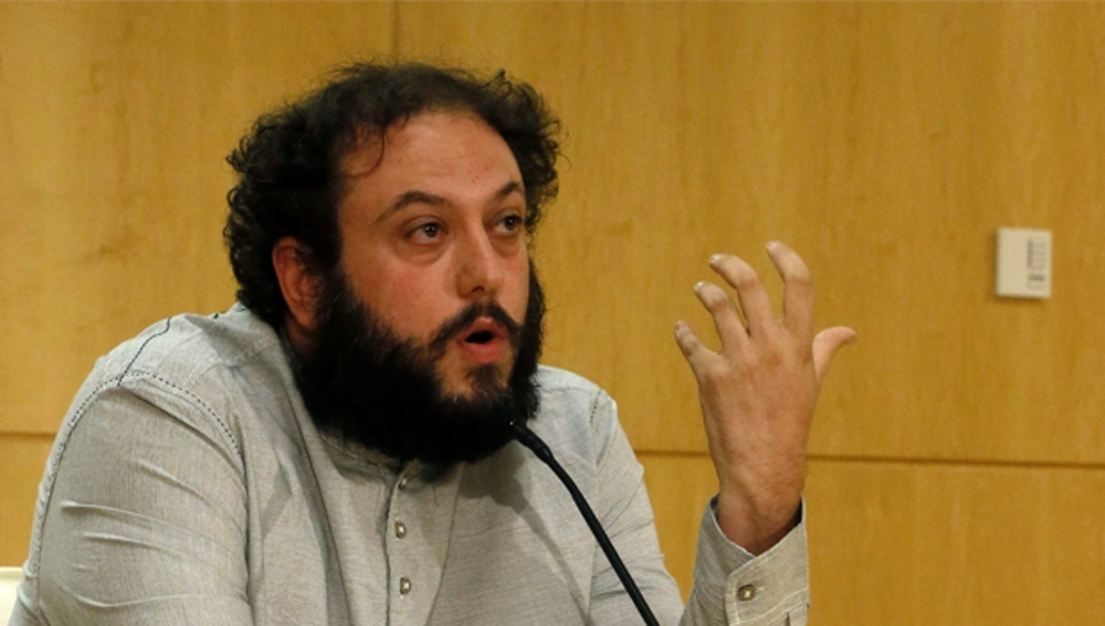 Guillermo Zapata comparece ante los medios