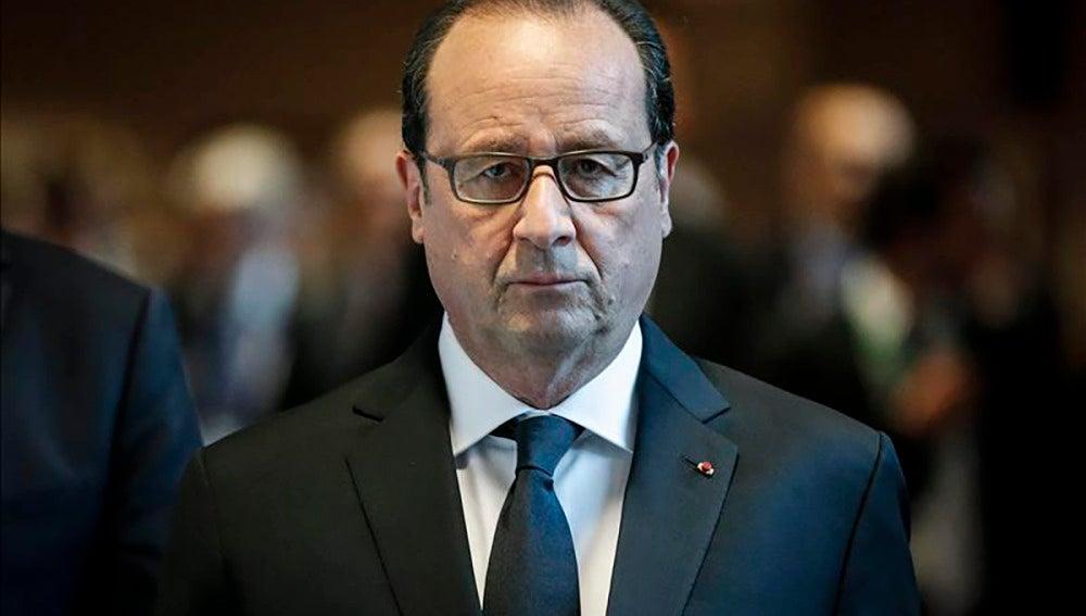 Hollande descarta vínculos entre los atentados de Francia y Túnez