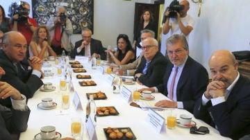 Desayuno informativo del ministro de Cultura, Méndez de Vigo, con el sector del cine