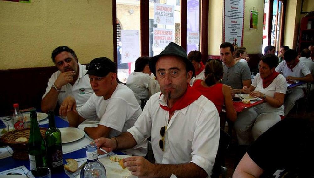 Un comedor solidario recauda dinero aprovechando las fiestas de San Fermín