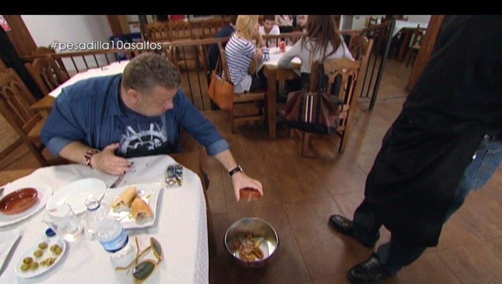 Las peores comidas que ha probado Alberto Chicote en 'Pesadilla en la cocina'