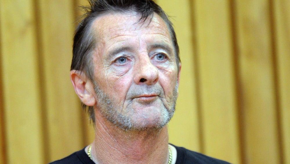 El exbatería de la banda de rock AC/DC, Phil Rudd, arrestado por pronunciar amenazas de muerte y por posesión de droga