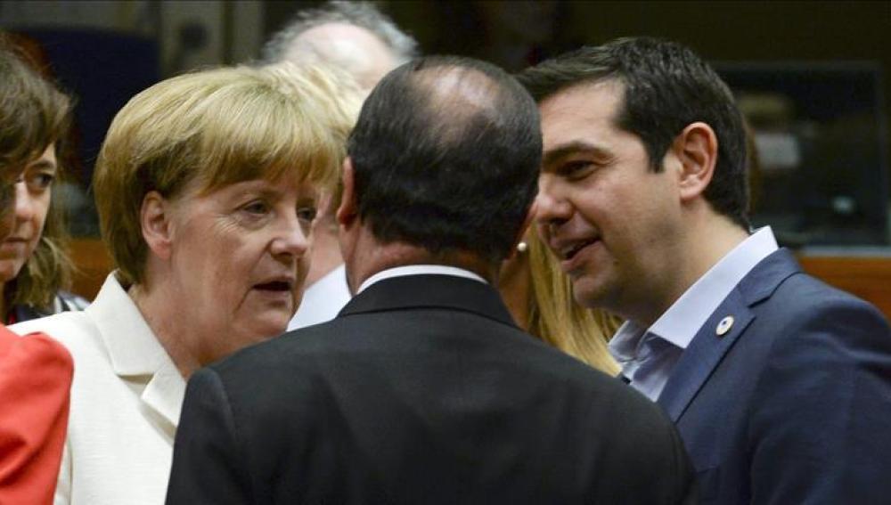 Merkel, Hollande y Tsipras en el Eurogrupo