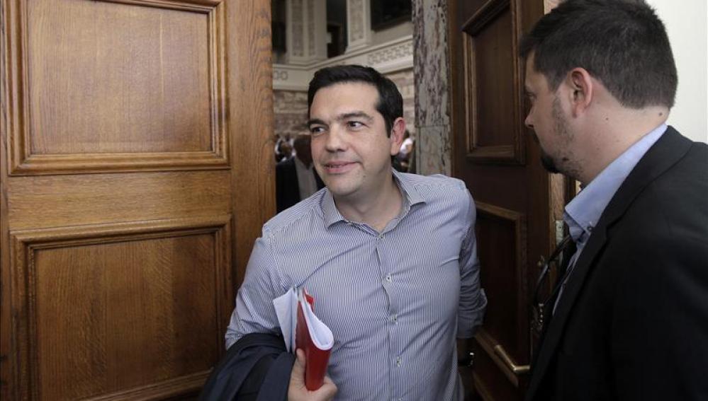 """Tsipras: """"Europa puede cambiar si en España ganan fuerzas semejantes a Syriza"""""""