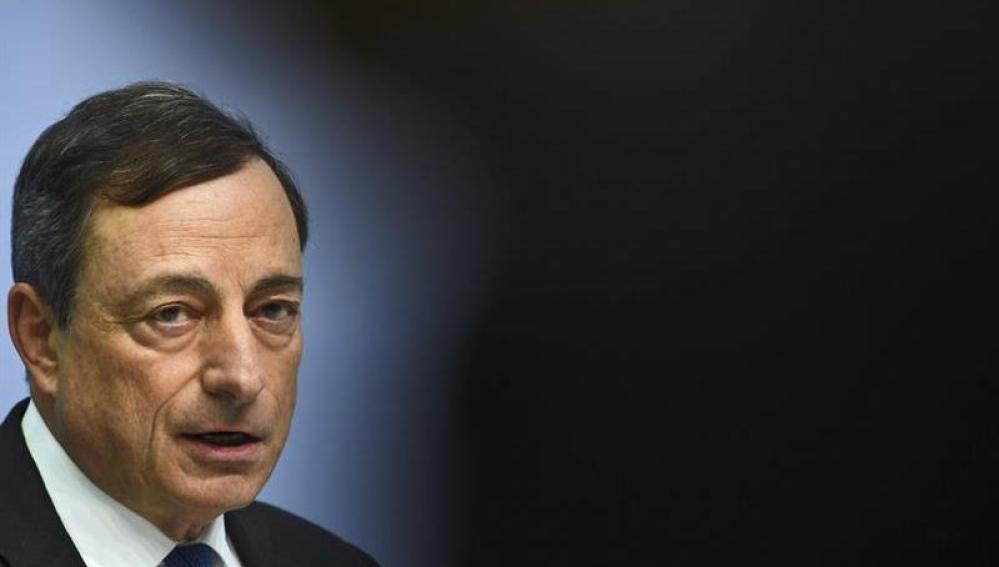 Mario Draghi comparece ante los medios