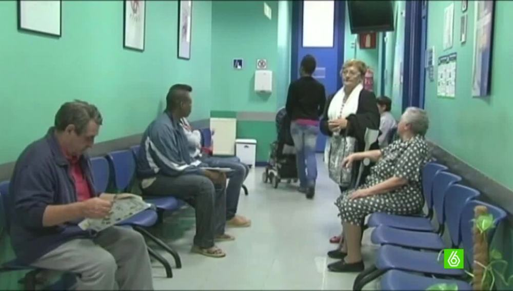 Los inmigrantes irregulares podrán tener tarjeta sanitaria en la Comunidad Valenciana
