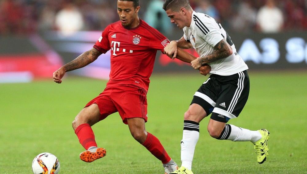 El Bayern goleó por cuatro goles a uno al Valencia en el amistoso en Pekín