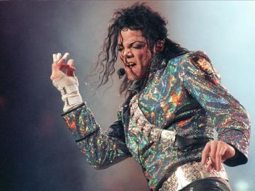 El cantante estadounidense Michael Jackson durante un concierto
