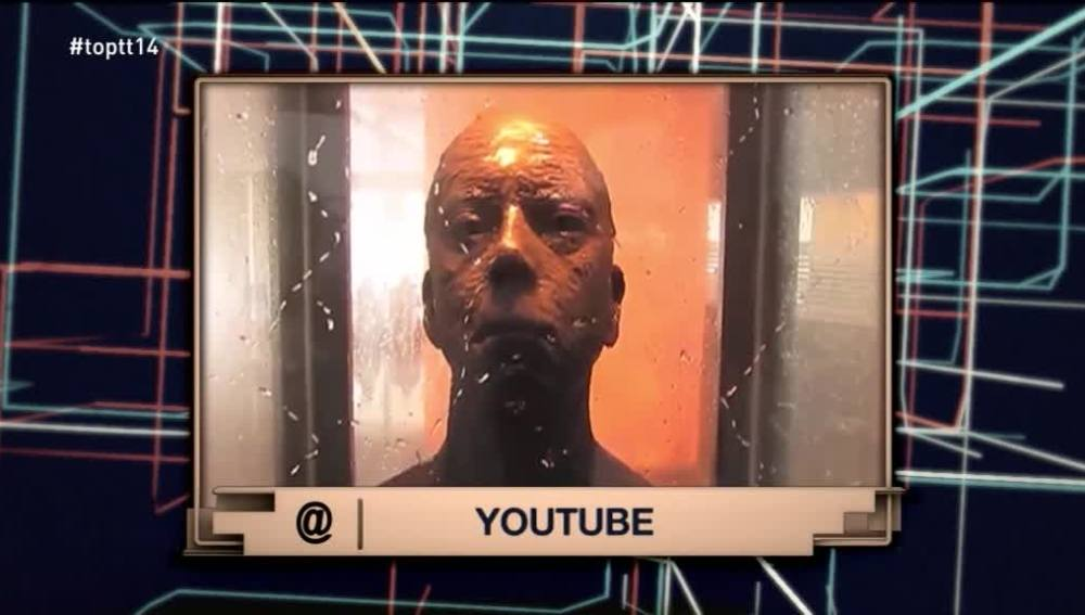 ¿Una escultura estática  del busto de un hombre puede asustar a la gente?