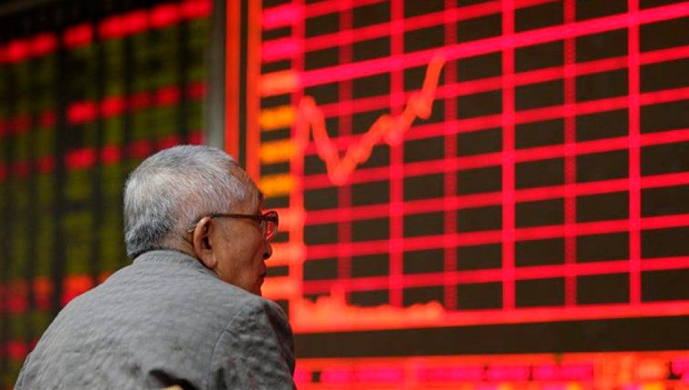 Panel de la bolsa de Pekín (Archivo)