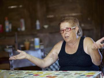 La abuela Josefa entra en prisión, preocupada por qué pasará con sus nietos