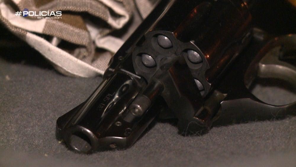 """Un agente de 'Policías en acción': """"Textualmente ha dicho que el revólver es para pegar palos"""""""