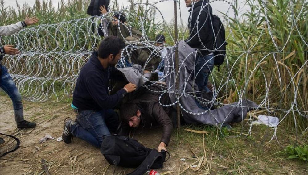 Desesperación a las puertas de Hungría que se ha visto obligada a cerrar sus fronteras