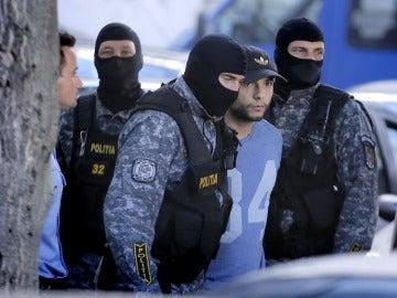 Sergio Morate con la Policía rumana