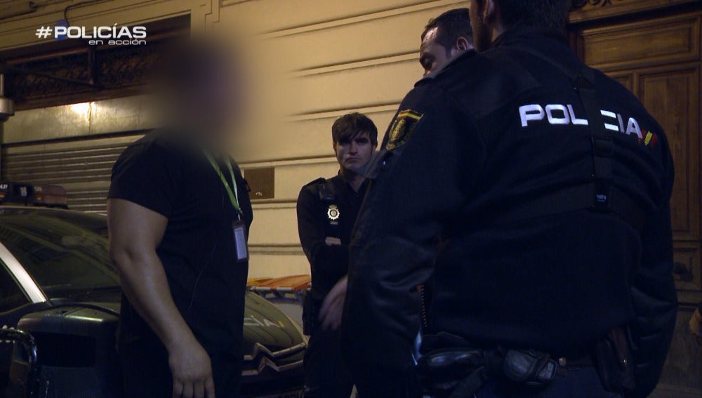 Los 'Policías en acción' resuelven una pelea en una discoteca con un agente fuera de servicio implicado