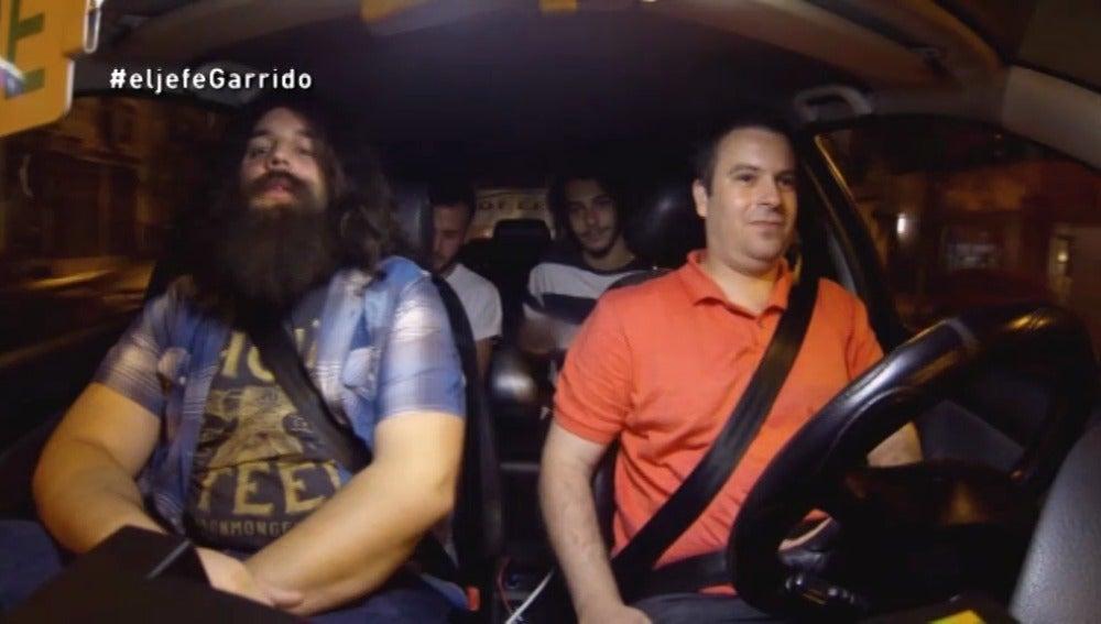 """Carlos Garrido: """"Este tío no se fija en nada. La gente se sube con cubatas en el coche, fumando…"""""""