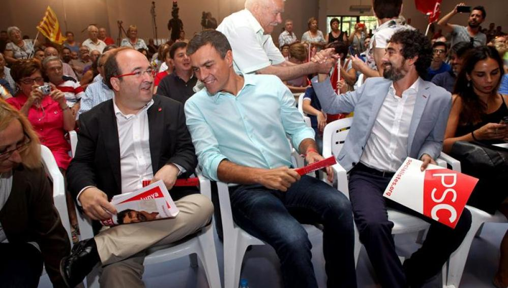 Miquel Iceta y Pedro Sánchez durante el acto de campaña en Tarragona