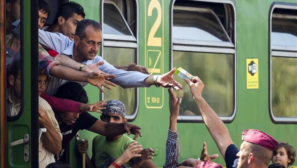 Alemania restablece temporalmente los controles en la frontera con Austria ante las oleadas de refugiados