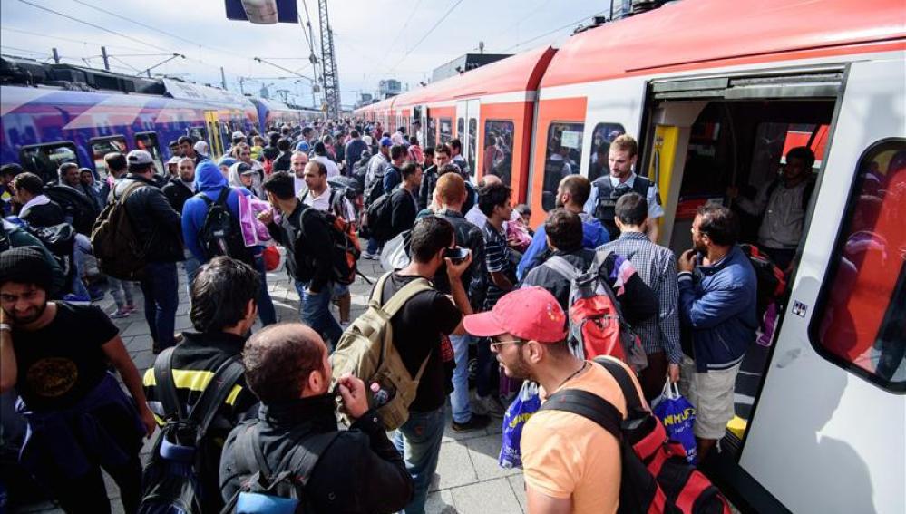 Refugiados en las estaciones de tren
