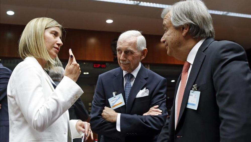 Los ministros del Interior de la UE acuerdan el traslado de 40.000 refugiados en dos años