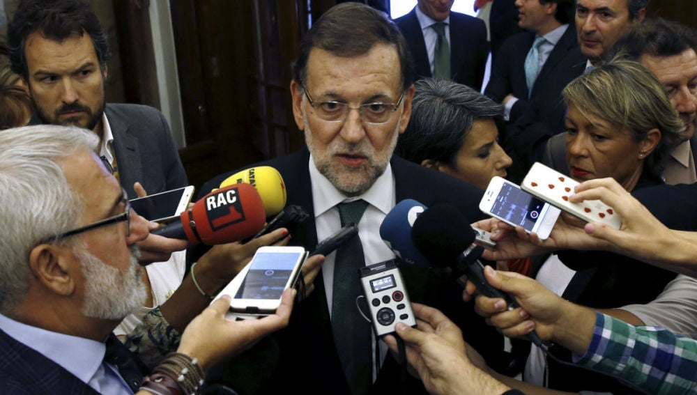 El presidente del Gobierno, Mariano Rajoy, realiza declaraciones hoy en el Congreso