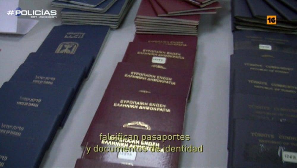 Los agentes de 'Policías en acción' se enfrentan a la falsificación de pasaportes