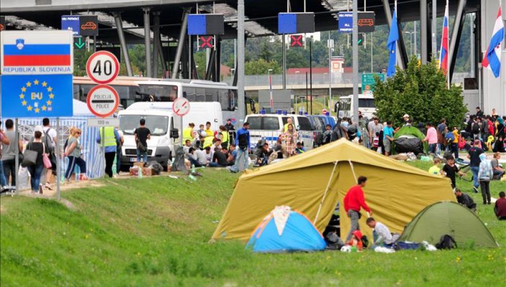 Migrantes en la frontera entre Eslovenia y Croacia