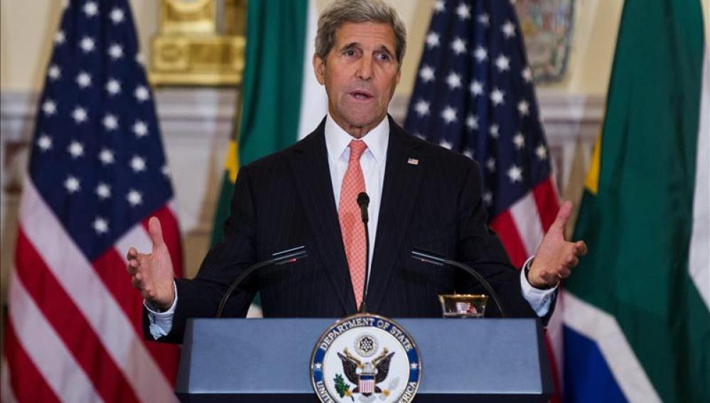 Kerry cree que Rusia e Irán pueden colaborar para que se retire Al Asad
