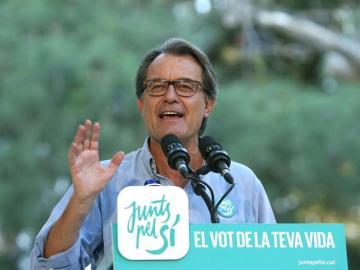 El presidente catalán y número cuatro de Junts pel Sí, Artur Mas, durante su intervención en un acto de campaña