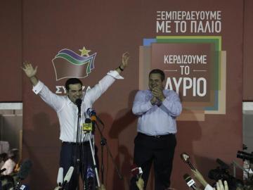 Alexis Tsipras y Panos Kammenos tras el resultado de las elecciones