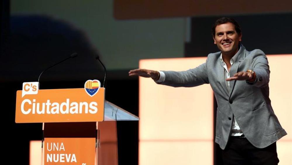 El presidente de Ciudadanos, Albert Rivera, tras su intervención en el acto central de campaña