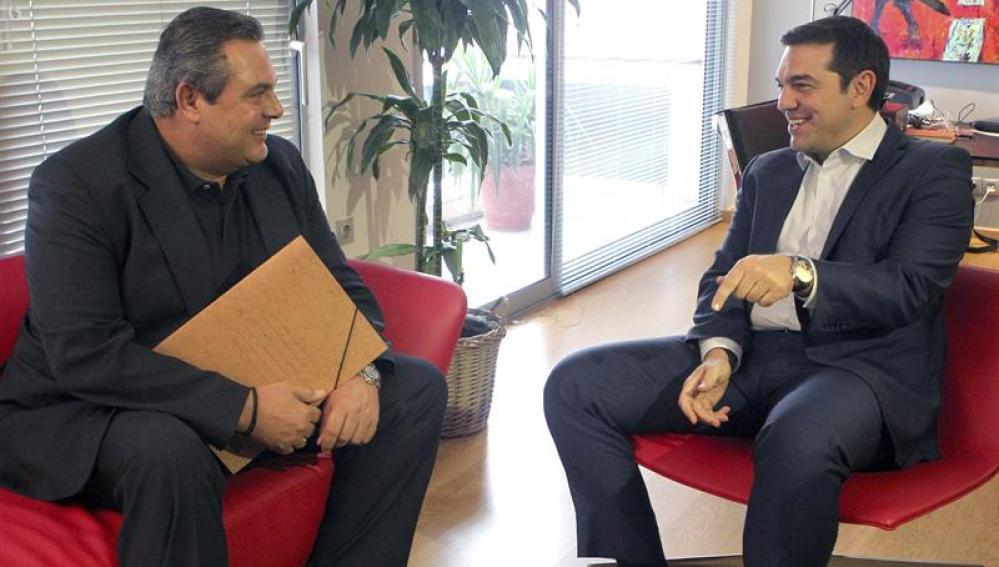 El líder de Syriza Alexis Tsipras recibe al líder de Griegos Independientes