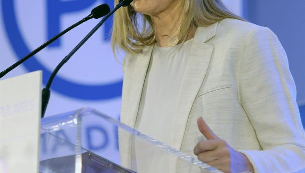 La presidenta autonómica, Cristina Cifuentes, durante su intervención en el Foro Madrid