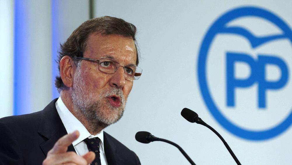 El presidente del Gobierno, Mariano Rajoy, en un acto con militantes en Girona