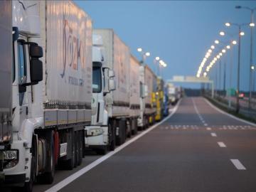 Imagen de archivo de varios camiones