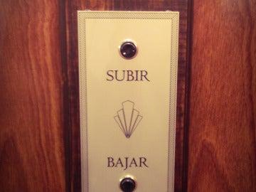 Botoneras de los ascensores de 'Velvet'