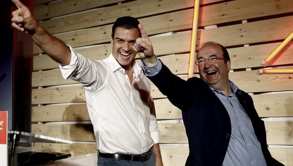 Pedro Sánchez y Miquel Iceta, en el acto de cierre de campaña